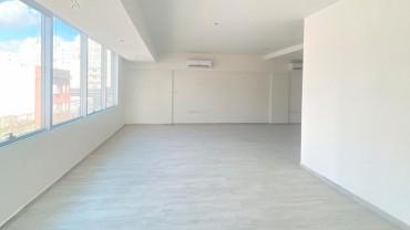 Oficina en alquiler/venta en Yrigoyen 344