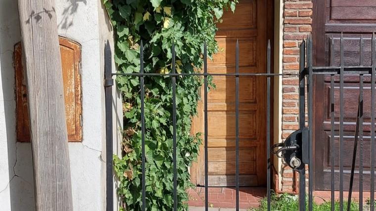 Casa interna en alquiler en Sarmiento 650